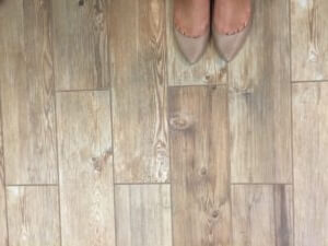 wood-look-dining-room-floor-tile